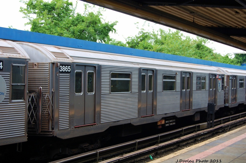 (311k, 1024x679)<br><b>Country:</b> United States<br><b>City:</b> New York<br><b>System:</b> New York City Transit<br><b>Line:</b> IND Rockaway<br><b>Location:</b> Broad Channel <br><b>Route:</b> S<br><b>Car:</b> R-32 (Budd, 1964)  3865 <br><b>Photo by:</b> John Dooley<br><b>Date:</b> 7/24/2011<br><b>Viewed (this week/total):</b> 1 / 472