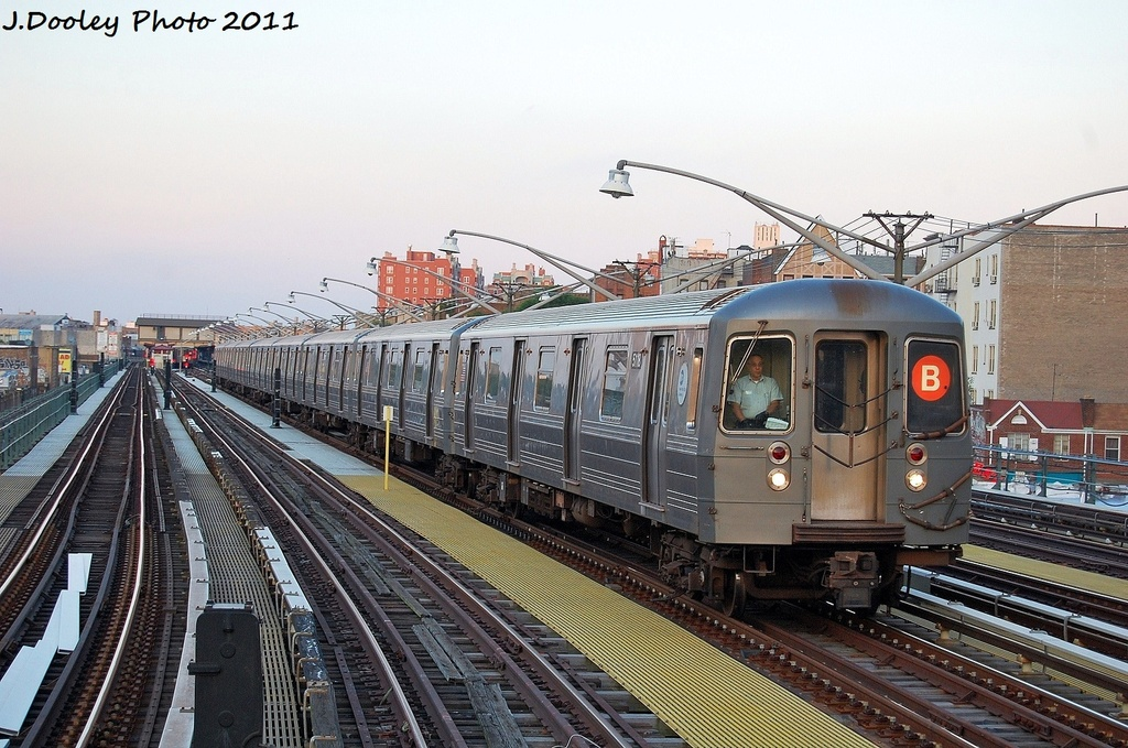 (361k, 1024x679)<br><b>Country:</b> United States<br><b>City:</b> New York<br><b>System:</b> New York City Transit<br><b>Line:</b> BMT Brighton Line<br><b>Location:</b> Ocean Parkway <br><b>Route:</b> D<br><b>Car:</b> R-68A (Kawasaki, 1988-1989)  5118 <br><b>Photo by:</b> John Dooley<br><b>Date:</b> 8/10/2011<br><b>Viewed (this week/total):</b> 0 / 260