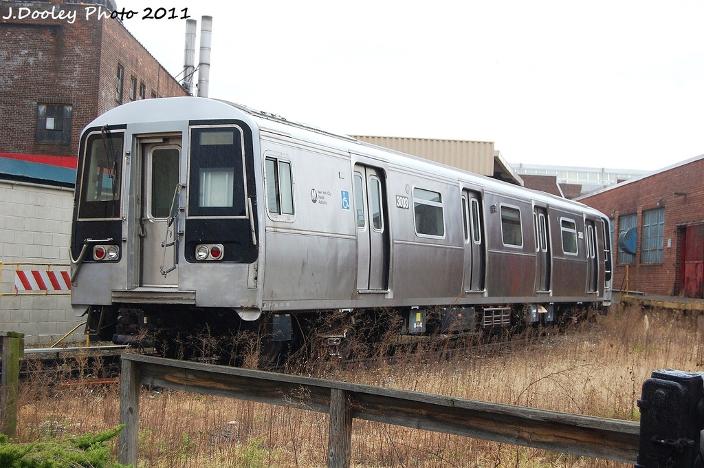 (339k, 1024x680)<br><b>Country:</b> United States<br><b>City:</b> New York<br><b>System:</b> New York City Transit<br><b>Location:</b> 207th Street Yard<br><b>Car:</b> R-110B (Bombardier, 1992) 3003 <br><b>Photo by:</b> John Dooley<br><b>Date:</b> 11/29/2011<br><b>Viewed (this week/total):</b> 1 / 601