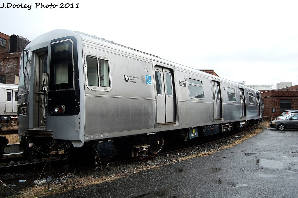 (309k, 1024x680)<br><b>Country:</b> United States<br><b>City:</b> New York<br><b>System:</b> New York City Transit<br><b>Location:</b> 207th Street Yard<br><b>Car:</b> R-110B (Bombardier, 1992) 3007 <br><b>Photo by:</b> John Dooley<br><b>Date:</b> 11/29/2011<br><b>Viewed (this week/total):</b> 2 / 840