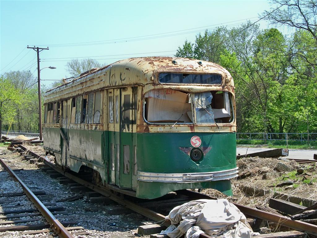 (208k, 1024x768)<br><b>Country:</b> United States<br><b>City:</b> Baltimore, MD<br><b>System:</b> Baltimore Streetcar Museum <br><b>Car:</b> PTC/SEPTA Wartime Air-car PCC (St.Louis, 1942)  2647 <br><b>Photo by:</b> Fran Rogers<br><b>Date:</b> 4/11/2010<br><b>Viewed (this week/total):</b> 0 / 272