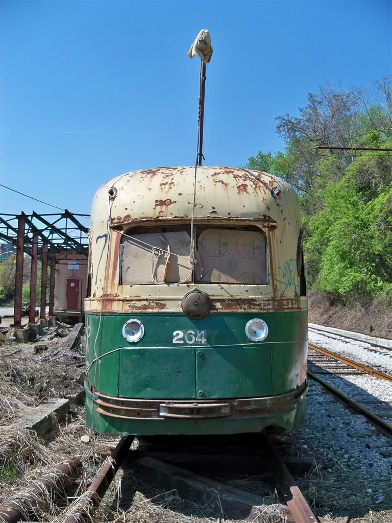 (160k, 768x1024)<br><b>Country:</b> United States<br><b>City:</b> Baltimore, MD<br><b>System:</b> Baltimore Streetcar Museum <br><b>Car:</b> PTC/SEPTA Wartime Air-car PCC (St.Louis, 1942)  2647 <br><b>Photo by:</b> Fran Rogers<br><b>Date:</b> 4/11/2010<br><b>Viewed (this week/total):</b> 2 / 128