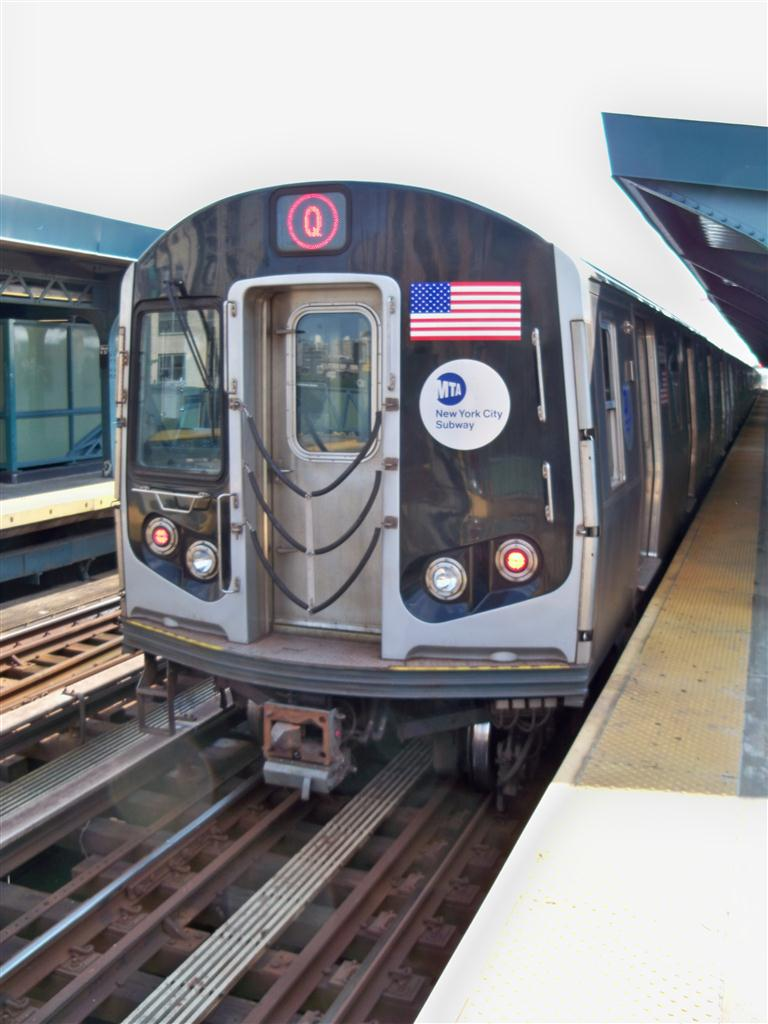 (107k, 768x1024)<br><b>Country:</b> United States<br><b>City:</b> New York<br><b>System:</b> New York City Transit<br><b>Line:</b> BMT Culver Line<br><b>Location:</b> West 8th Street <br><b>Route:</b> F<br><b>Car:</b> R-160A/R-160B Series (Number Unknown)  <br><b>Photo by:</b> Fran Rogers<br><b>Date:</b> 6/15/2011<br><b>Viewed (this week/total):</b> 0 / 612