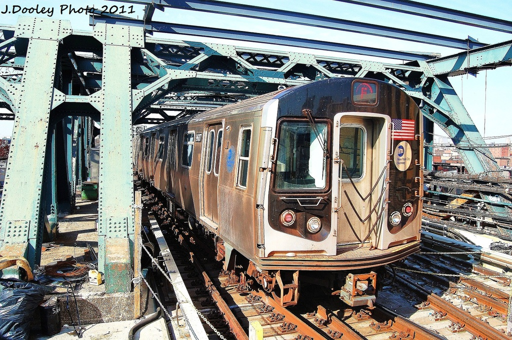 (514k, 1024x681)<br><b>Country:</b> United States<br><b>City:</b> New York<br><b>System:</b> New York City Transit<br><b>Line:</b> IND Crosstown Line<br><b>Location:</b> 4th Avenue <br><b>Route:</b> F<br><b>Car:</b> R-160A (Option 2) (Alstom, 2009, 5-car sets)  9687 <br><b>Photo by:</b> John Dooley<br><b>Date:</b> 11/14/2011<br><b>Viewed (this week/total):</b> 3 / 378