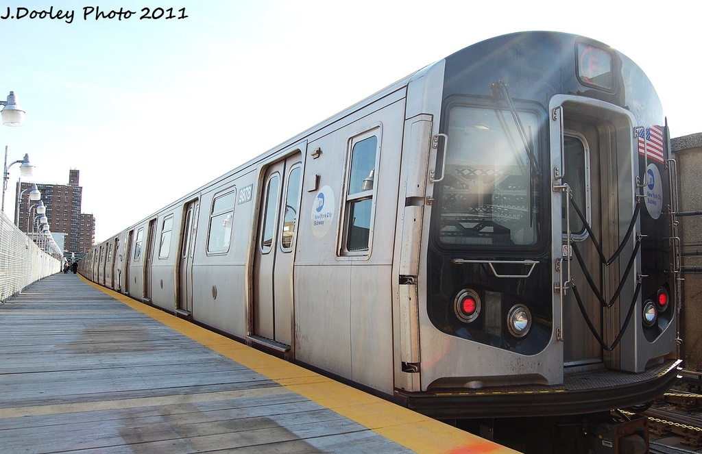 (278k, 1024x663)<br><b>Country:</b> United States<br><b>City:</b> New York<br><b>System:</b> New York City Transit<br><b>Line:</b> IND Crosstown Line<br><b>Location:</b> 4th Avenue <br><b>Route:</b> F<br><b>Car:</b> R-160B (Option 2) (Kawasaki, 2009)  9878 <br><b>Photo by:</b> John Dooley<br><b>Date:</b> 11/14/2011<br><b>Viewed (this week/total):</b> 0 / 219