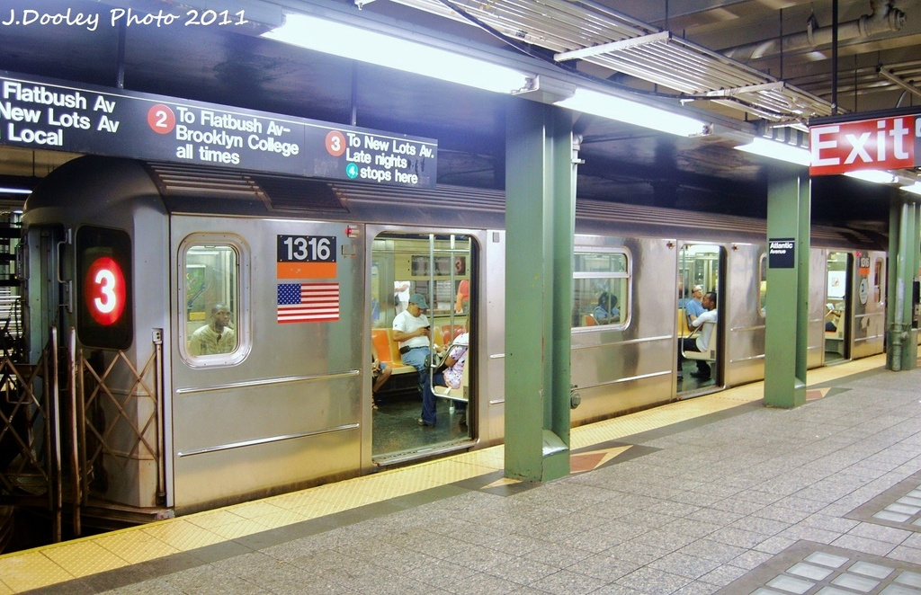 (337k, 1024x662)<br><b>Country:</b> United States<br><b>City:</b> New York<br><b>System:</b> New York City Transit<br><b>Line:</b> IRT Brooklyn Line<br><b>Location:</b> Atlantic Avenue <br><b>Route:</b> 3<br><b>Car:</b> R-62 (Kawasaki, 1983-1985)  1316 <br><b>Photo by:</b> John Dooley<br><b>Date:</b> 9/3/2011<br><b>Viewed (this week/total):</b> 0 / 660