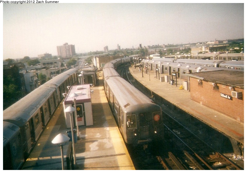 (229k, 820x576)<br><b>Country:</b> United States<br><b>City:</b> New York<br><b>System:</b> New York City Transit<br><b>Location:</b> Coney Island/Stillwell Avenue<br><b>Route:</b> B<br><b>Car:</b> R-68A (Kawasaki, 1988-1989)   <br><b>Photo by:</b> Zach Summer<br><b>Date:</b> 7/21/2001<br><b>Notes:</b> Last day of 6th Ave/West End B service; Manhattan Bridge closure takes place the next day.<br><b>Viewed (this week/total):</b> 1 / 496