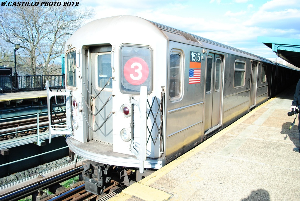 (346k, 1024x687)<br><b>Country:</b> United States<br><b>City:</b> New York<br><b>System:</b> New York City Transit<br><b>Line:</b> IRT Brooklyn Line<br><b>Location:</b> Saratoga Avenue <br><b>Route:</b> 3<br><b>Car:</b> R-62 (Kawasaki, 1983-1985)  1515 <br><b>Photo by:</b> Wilfredo Castillo<br><b>Date:</b> 3/29/2012<br><b>Viewed (this week/total):</b> 2 / 184