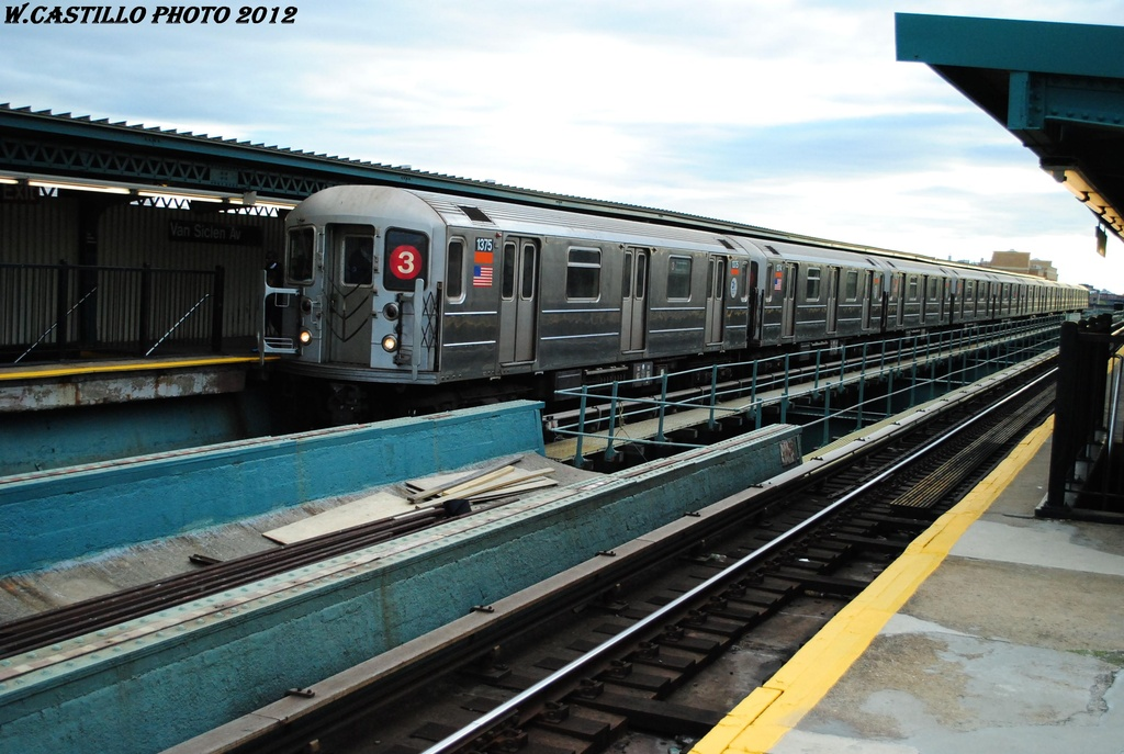 (299k, 1024x687)<br><b>Country:</b> United States<br><b>City:</b> New York<br><b>System:</b> New York City Transit<br><b>Line:</b> IRT Brooklyn Line<br><b>Location:</b> Van Siclen Avenue <br><b>Route:</b> 3<br><b>Car:</b> R-62 (Kawasaki, 1983-1985)  1375 <br><b>Photo by:</b> Wilfredo Castillo<br><b>Date:</b> 3/29/2012<br><b>Viewed (this week/total):</b> 2 / 197