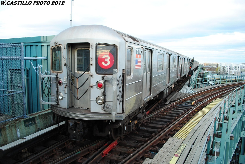 (306k, 1024x687)<br><b>Country:</b> United States<br><b>City:</b> New York<br><b>System:</b> New York City Transit<br><b>Line:</b> IRT Brooklyn Line<br><b>Location:</b> Junius Street <br><b>Route:</b> 3<br><b>Car:</b> R-62 (Kawasaki, 1983-1985)  1576 <br><b>Photo by:</b> Wilfredo Castillo<br><b>Date:</b> 3/29/2012<br><b>Viewed (this week/total):</b> 1 / 494