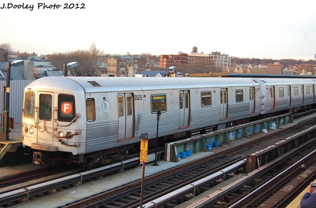 (315k, 1024x675)<br><b>Country:</b> United States<br><b>City:</b> New York<br><b>System:</b> New York City Transit<br><b>Line:</b> BMT Culver Line<br><b>Location:</b> Ditmas Avenue <br><b>Route:</b> F<br><b>Car:</b> R-46 (Pullman-Standard, 1974-75) 5752 <br><b>Photo by:</b> John Dooley<br><b>Date:</b> 1/20/2012<br><b>Viewed (this week/total):</b> 2 / 373