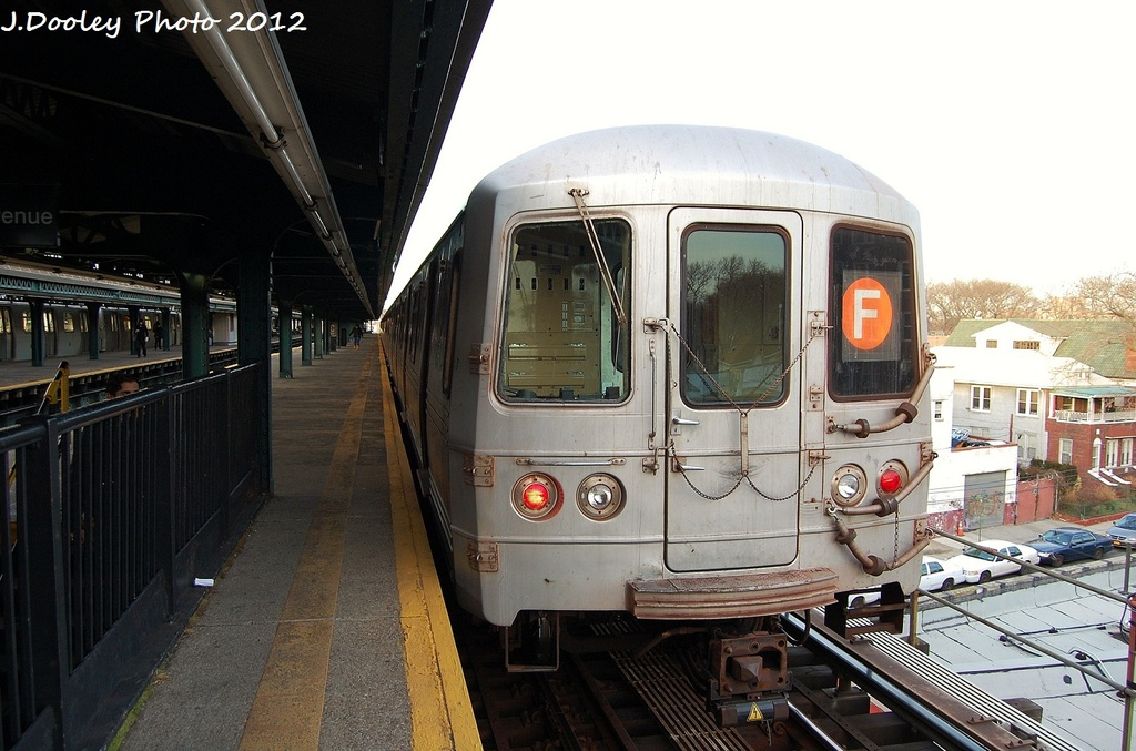 (313k, 1024x677)<br><b>Country:</b> United States<br><b>City:</b> New York<br><b>System:</b> New York City Transit<br><b>Line:</b> BMT Culver Line<br><b>Location:</b> Kings Highway <br><b>Route:</b> F<br><b>Car:</b> R-46 (Pullman-Standard, 1974-75) 5812 <br><b>Photo by:</b> John Dooley<br><b>Date:</b> 1/20/2012<br><b>Viewed (this week/total):</b> 5 / 234