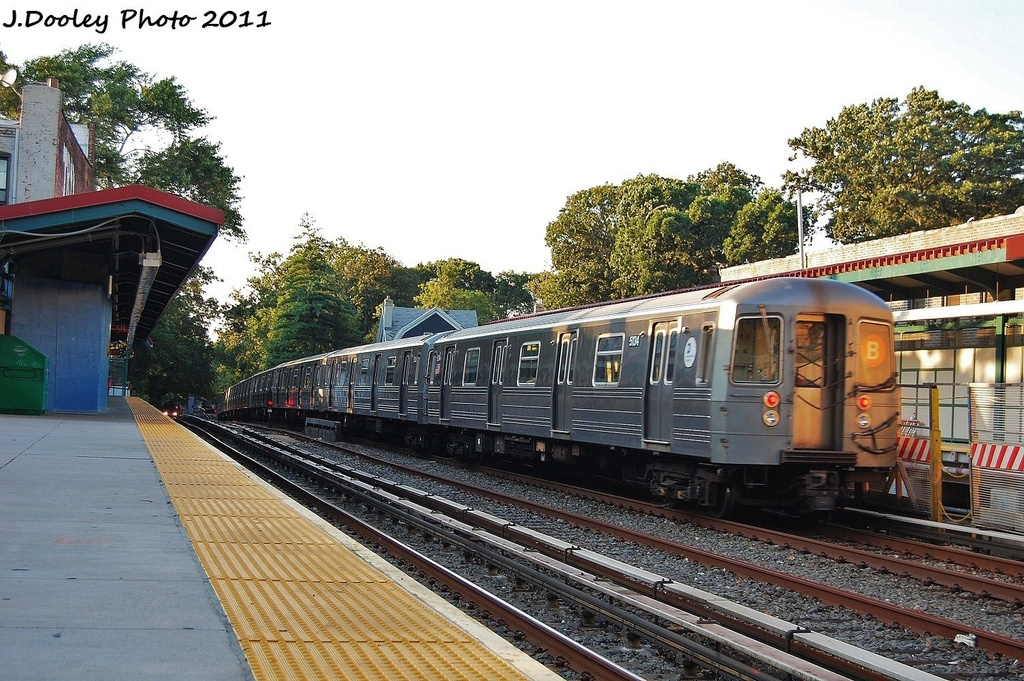 (389k, 1024x681)<br><b>Country:</b> United States<br><b>City:</b> New York<br><b>System:</b> New York City Transit<br><b>Line:</b> BMT Brighton Line<br><b>Location:</b> Avenue H <br><b>Route:</b> B<br><b>Car:</b> R-68A (Kawasaki, 1988-1989)  5134 <br><b>Photo by:</b> John Dooley<br><b>Date:</b> 8/10/2011<br><b>Viewed (this week/total):</b> 2 / 182