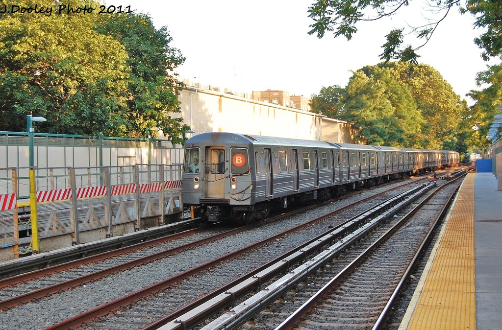 (443k, 1024x674)<br><b>Country:</b> United States<br><b>City:</b> New York<br><b>System:</b> New York City Transit<br><b>Line:</b> BMT Brighton Line<br><b>Location:</b> Avenue H <br><b>Route:</b> B<br><b>Car:</b> R-68A (Kawasaki, 1988-1989)  5140 <br><b>Photo by:</b> John Dooley<br><b>Date:</b> 8/10/2011<br><b>Viewed (this week/total):</b> 1 / 658