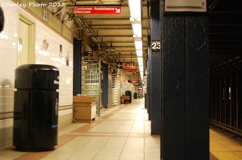 (297k, 1024x680)<br><b>Country:</b> United States<br><b>City:</b> New York<br><b>System:</b> New York City Transit<br><b>Line:</b> BMT Broadway Line<br><b>Location:</b> 23rd Street <br><b>Photo by:</b> John Dooley<br><b>Date:</b> 1/7/2012<br><b>Viewed (this week/total):</b> 0 / 562