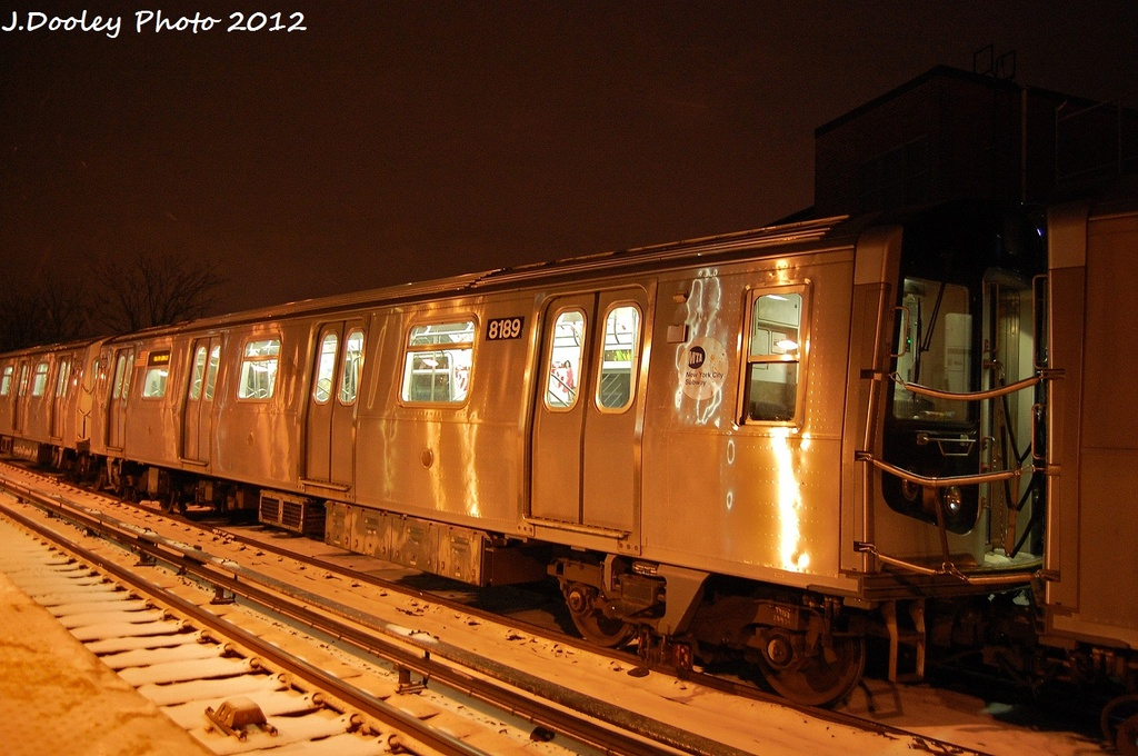 (329k, 1024x680)<br><b>Country:</b> United States<br><b>City:</b> New York<br><b>System:</b> New York City Transit<br><b>Line:</b> BMT Canarsie Line<br><b>Location:</b> East 105th Street <br><b>Route:</b> L<br><b>Car:</b> R-143 (Kawasaki, 2001-2002) 8189 <br><b>Photo by:</b> John Dooley<br><b>Date:</b> 1/21/2012<br><b>Viewed (this week/total):</b> 2 / 423