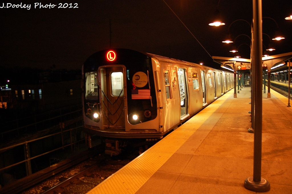 (290k, 1024x681)<br><b>Country:</b> United States<br><b>City:</b> New York<br><b>System:</b> New York City Transit<br><b>Line:</b> BMT Canarsie Line<br><b>Location:</b> Broadway Junction <br><b>Route:</b> L<br><b>Car:</b> R-143 (Kawasaki, 2001-2002) 8285 <br><b>Photo by:</b> John Dooley<br><b>Date:</b> 1/15/2012<br><b>Viewed (this week/total):</b> 1 / 586