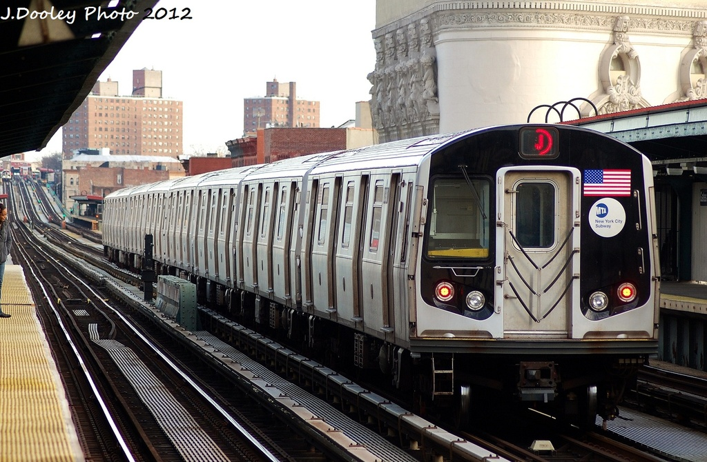 (356k, 1024x670)<br><b>Country:</b> United States<br><b>City:</b> New York<br><b>System:</b> New York City Transit<br><b>Line:</b> BMT Nassau Street/Jamaica Line<br><b>Location:</b> Gates Avenue <br><b>Route:</b> J<br><b>Car:</b> R-160A-1 (Alstom, 2005-2008, 4 car sets)  8397 <br><b>Photo by:</b> John Dooley<br><b>Date:</b> 1/28/2012<br><b>Viewed (this week/total):</b> 1 / 156