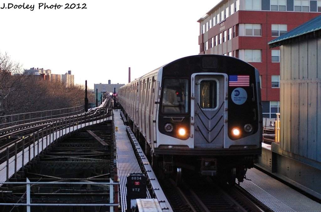 (301k, 1024x677)<br><b>Country:</b> United States<br><b>City:</b> New York<br><b>System:</b> New York City Transit<br><b>Line:</b> BMT Culver Line<br><b>Location:</b> Kings Highway <br><b>Route:</b> F<br><b>Car:</b> R-160A (Option 2) (Alstom, 2009, 5-car sets)  9722 <br><b>Photo by:</b> John Dooley<br><b>Date:</b> 1/20/2012<br><b>Viewed (this week/total):</b> 0 / 625