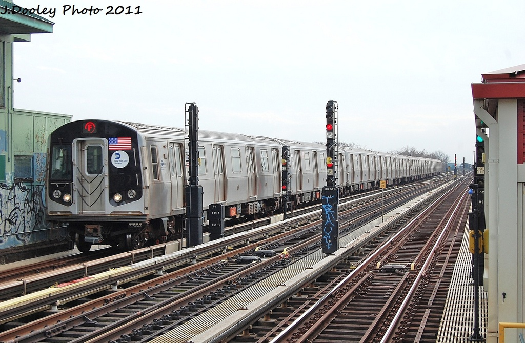 (348k, 1024x669)<br><b>Country:</b> United States<br><b>City:</b> New York<br><b>System:</b> New York City Transit<br><b>Line:</b> BMT Culver Line<br><b>Location:</b> Ditmas Avenue <br><b>Route:</b> F<br><b>Car:</b> R-160B (Option 2) (Kawasaki, 2009)  9933 <br><b>Photo by:</b> John Dooley<br><b>Date:</b> 12/5/2011<br><b>Viewed (this week/total):</b> 2 / 255