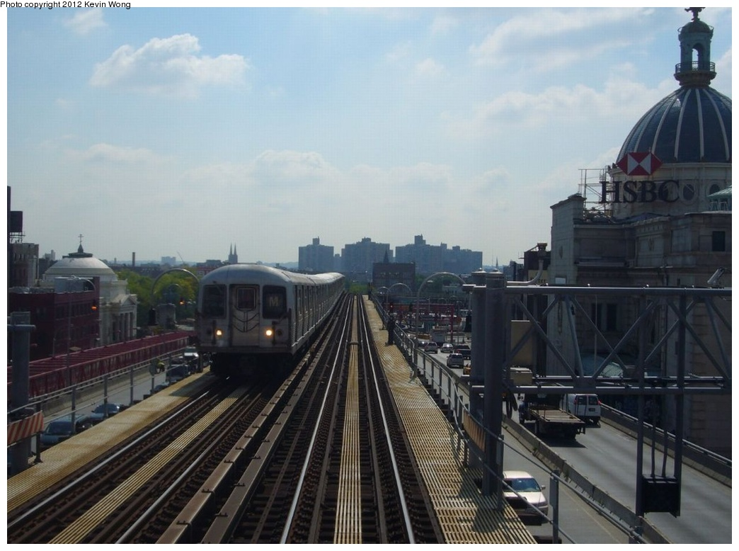(234k, 1044x778)<br><b>Country:</b> United States<br><b>City:</b> New York<br><b>System:</b> New York City Transit<br><b>Line:</b> BMT Nassau Street/Jamaica Line<br><b>Location:</b> Williamsburg Bridge<br><b>Route:</b> M<br><b>Car:</b> R-42 (St. Louis, 1969-1970)   <br><b>Photo by:</b> Kevin Wong<br><b>Date:</b> 8/13/2007<br><b>Viewed (this week/total):</b> 2 / 263