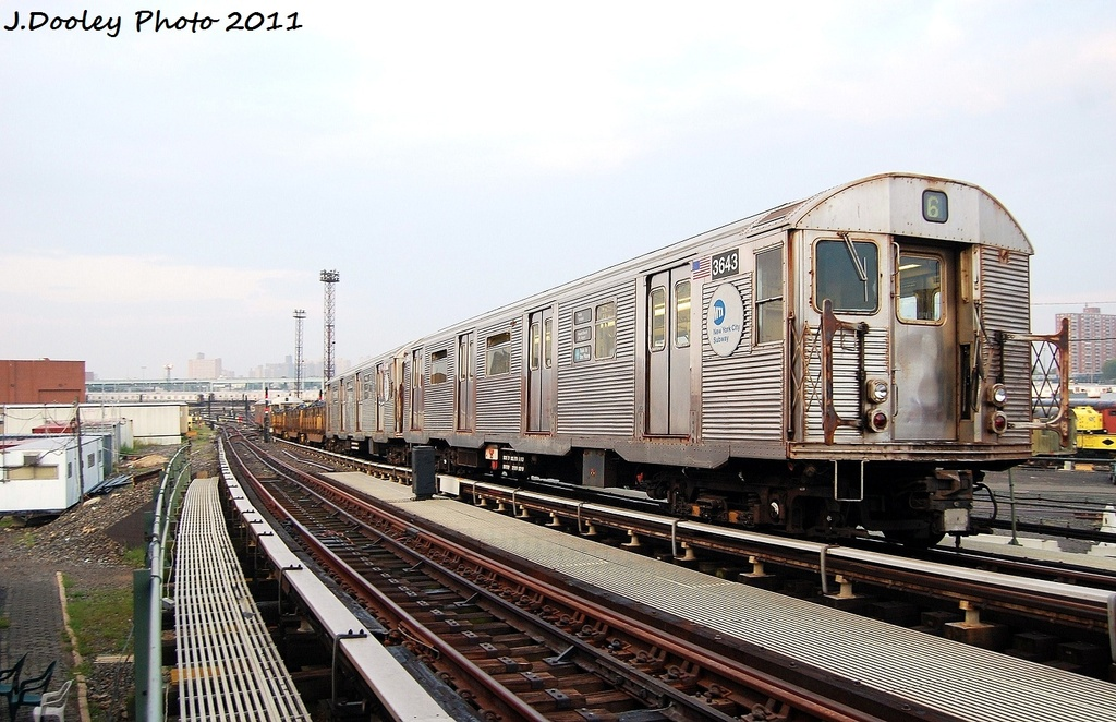 (330k, 1024x662)<br><b>Country:</b> United States<br><b>City:</b> New York<br><b>System:</b> New York City Transit<br><b>Line:</b> BMT Culver Line<br><b>Location:</b> Avenue X <br><b>Route:</b> Work Service<br><b>Car:</b> R-32 (Budd, 1964)  3643 <br><b>Photo by:</b> John Dooley<br><b>Date:</b> 8/26/2011<br><b>Viewed (this week/total):</b> 3 / 245