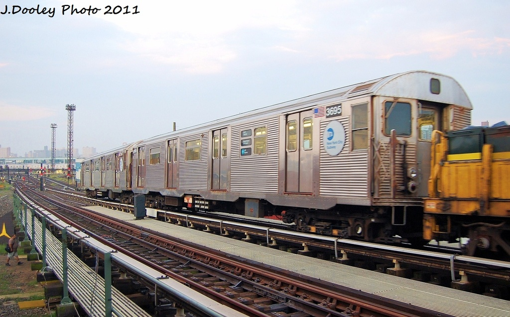 (315k, 1024x638)<br><b>Country:</b> United States<br><b>City:</b> New York<br><b>System:</b> New York City Transit<br><b>Line:</b> BMT Culver Line<br><b>Location:</b> Avenue X <br><b>Route:</b> Work Service<br><b>Car:</b> R-32 (Budd, 1964)  3695 <br><b>Photo by:</b> John Dooley<br><b>Date:</b> 8/26/2011<br><b>Viewed (this week/total):</b> 4 / 592