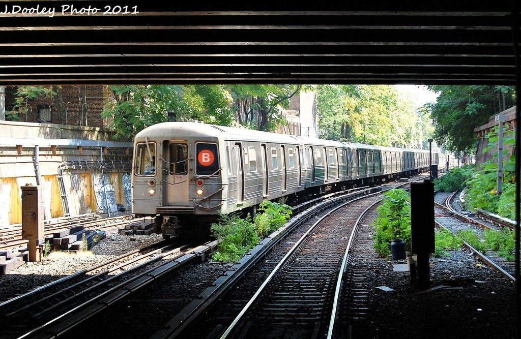 (432k, 1024x667)<br><b>Country:</b> United States<br><b>City:</b> New York<br><b>System:</b> New York City Transit<br><b>Line:</b> BMT Brighton Line<br><b>Location:</b> Prospect Park <br><b>Route:</b> B<br><b>Car:</b> R-68 (Westinghouse-Amrail, 1986-1988)  2816 <br><b>Photo by:</b> John Dooley<br><b>Date:</b> 9/12/2011<br><b>Viewed (this week/total):</b> 1 / 508