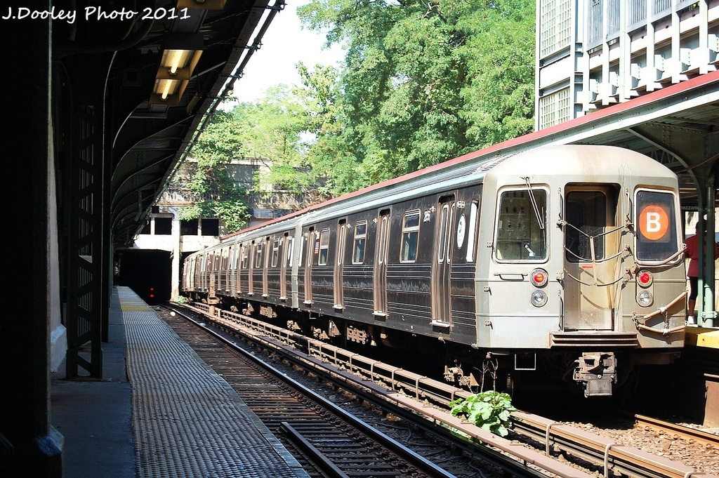 (443k, 1024x681)<br><b>Country:</b> United States<br><b>City:</b> New York<br><b>System:</b> New York City Transit<br><b>Line:</b> BMT Brighton Line<br><b>Location:</b> Prospect Park <br><b>Route:</b> B<br><b>Car:</b> R-68 (Westinghouse-Amrail, 1986-1988)  2856 <br><b>Photo by:</b> John Dooley<br><b>Date:</b> 9/12/2011<br><b>Viewed (this week/total):</b> 0 / 215