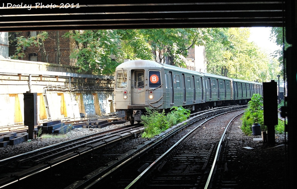 (423k, 1024x653)<br><b>Country:</b> United States<br><b>City:</b> New York<br><b>System:</b> New York City Transit<br><b>Line:</b> BMT Brighton Line<br><b>Location:</b> Prospect Park <br><b>Route:</b> B<br><b>Car:</b> R-68 (Westinghouse-Amrail, 1986-1988)  2912 <br><b>Photo by:</b> John Dooley<br><b>Date:</b> 9/12/2011<br><b>Viewed (this week/total):</b> 1 / 207