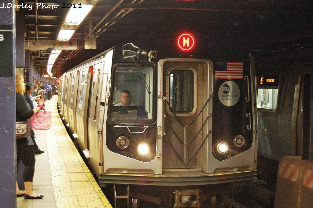 (387k, 1024x681)<br><b>Country:</b> United States<br><b>City:</b> New York<br><b>System:</b> New York City Transit<br><b>Line:</b> IND Queens Boulevard Line<br><b>Location:</b> Queens Plaza <br><b>Route:</b> M<br><b>Car:</b> R-160A-1 (Alstom, 2005-2008, 4 car sets)  8572 <br><b>Photo by:</b> John Dooley<br><b>Date:</b> 9/6/2011<br><b>Viewed (this week/total):</b> 0 / 343