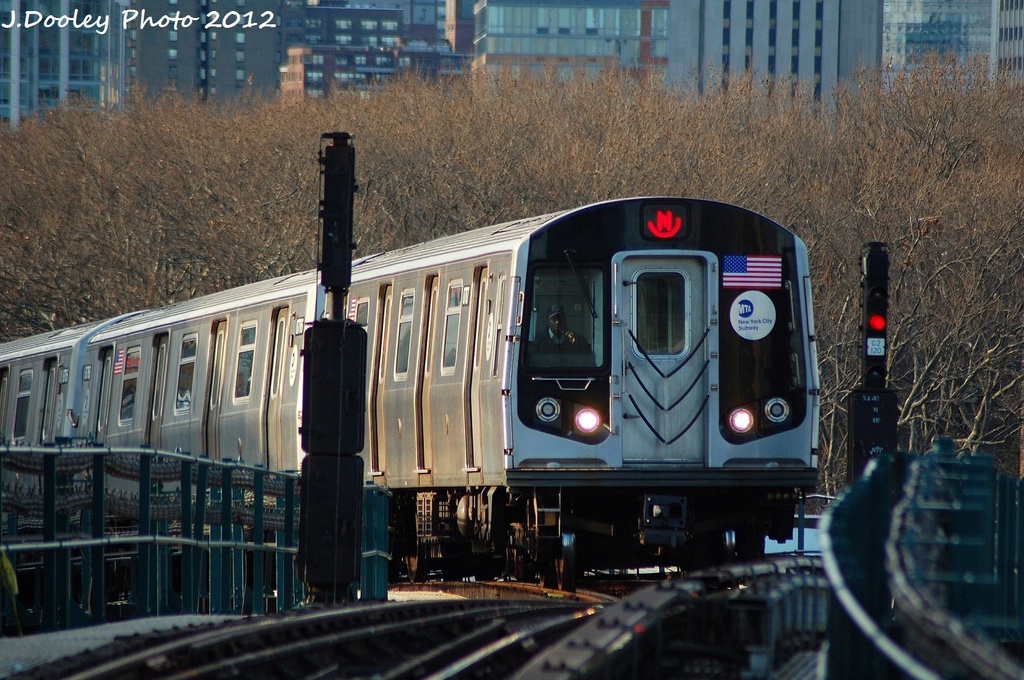 (367k, 1024x680)<br><b>Country:</b> United States<br><b>City:</b> New York<br><b>System:</b> New York City Transit<br><b>Line:</b> BMT Astoria Line<br><b>Location:</b> Queensborough Plaza <br><b>Route:</b> N<br><b>Car:</b> R-160B (Kawasaki, 2005-2008)  8787 <br><b>Photo by:</b> John Dooley<br><b>Date:</b> 1/29/2012<br><b>Viewed (this week/total):</b> 2 / 589