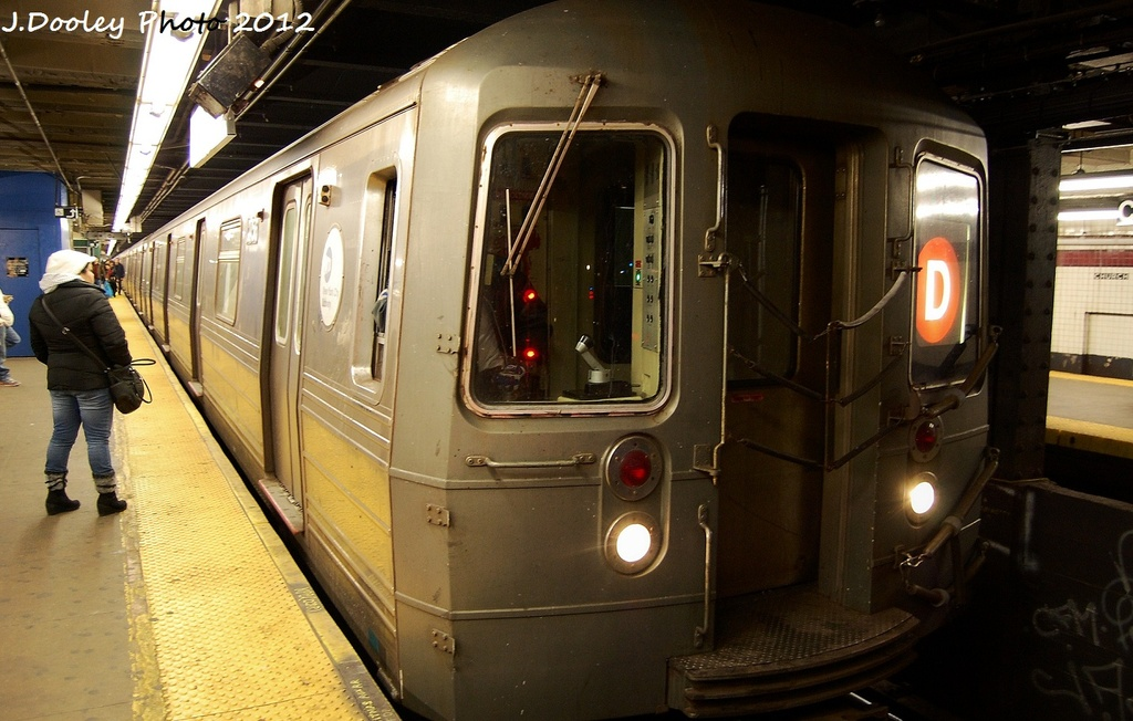 (300k, 1024x652)<br><b>Country:</b> United States<br><b>City:</b> New York<br><b>System:</b> New York City Transit<br><b>Line:</b> IND Crosstown Line<br><b>Location:</b> Church Avenue <br><b>Route:</b> D reroute<br><b>Car:</b> R-68 (Westinghouse-Amrail, 1986-1988)  2756 <br><b>Photo by:</b> John Dooley<br><b>Date:</b> 1/29/2012<br><b>Viewed (this week/total):</b> 2 / 581