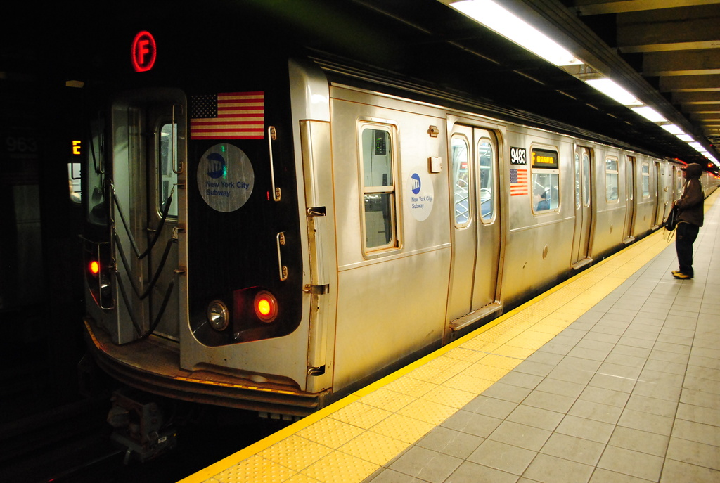 (317k, 1024x687)<br><b>Country:</b> United States<br><b>City:</b> New York<br><b>System:</b> New York City Transit<br><b>Line:</b> IND Queens Boulevard Line<br><b>Location:</b> Roosevelt Avenue <br><b>Route:</b> F<br><b>Car:</b> R-160A (Option 1) (Alstom, 2008-2009, 5 car sets)  9483 <br><b>Photo by:</b> Wilfredo Castillo<br><b>Date:</b> 4/2/2012<br><b>Viewed (this week/total):</b> 2 / 768