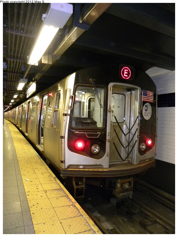 (232k, 615x821)<br><b>Country:</b> United States<br><b>City:</b> New York<br><b>System:</b> New York City Transit<br><b>Line:</b> IND 8th Avenue Line<br><b>Location:</b> Chambers Street/World Trade Center <br><b>Route:</b> E<br><b>Car:</b> R-160A/R-160B Series (Number Unknown)  <br><b>Photo by:</b> Max S.<br><b>Date:</b> 2012<br><b>Viewed (this week/total):</b> 2 / 212