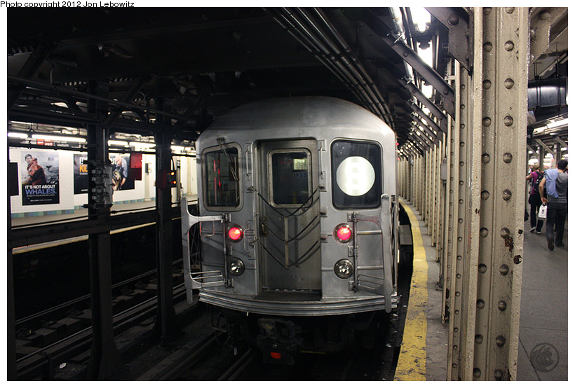 (274k, 820x554)<br><b>Country:</b> United States<br><b>City:</b> New York<br><b>System:</b> New York City Transit<br><b>Line:</b> IRT Times Square-Grand Central Shuttle<br><b>Location:</b> Times Square <br><b>Route:</b> S<br><b>Car:</b> R-62A (Bombardier, 1984-1987)   <br><b>Photo by:</b> Jon Lebowitz<br><b>Date:</b> 4/11/2010<br><b>Viewed (this week/total):</b> 0 / 485