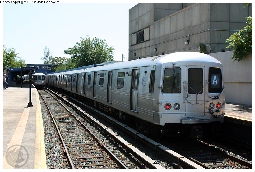 (283k, 820x554)<br><b>Country:</b> United States<br><b>City:</b> New York<br><b>System:</b> New York City Transit<br><b>Line:</b> IND Rockaway<br><b>Location:</b> Broad Channel <br><b>Route:</b> A<br><b>Car:</b> R-46 (Pullman-Standard, 1974-75) 5632 <br><b>Photo by:</b> Jon Lebowitz<br><b>Date:</b> 8/2/2010<br><b>Viewed (this week/total):</b> 1 / 186