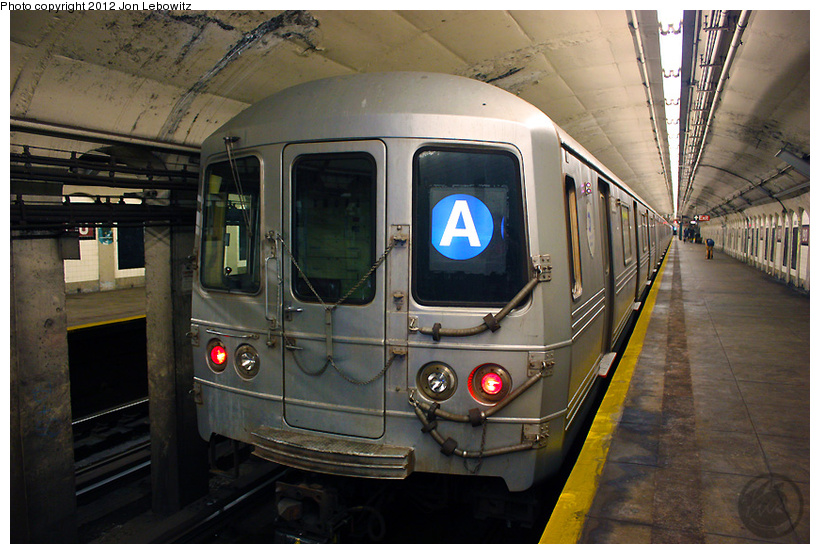 (268k, 820x554)<br><b>Country:</b> United States<br><b>City:</b> New York<br><b>System:</b> New York City Transit<br><b>Line:</b> IND 8th Avenue Line<br><b>Location:</b> 190th Street/Overlook Terrace <br><b>Route:</b> A<br><b>Car:</b> R-46 (Pullman-Standard, 1974-75)  <br><b>Photo by:</b> Jon Lebowitz<br><b>Date:</b> 8/8/2010<br><b>Viewed (this week/total):</b> 0 / 385