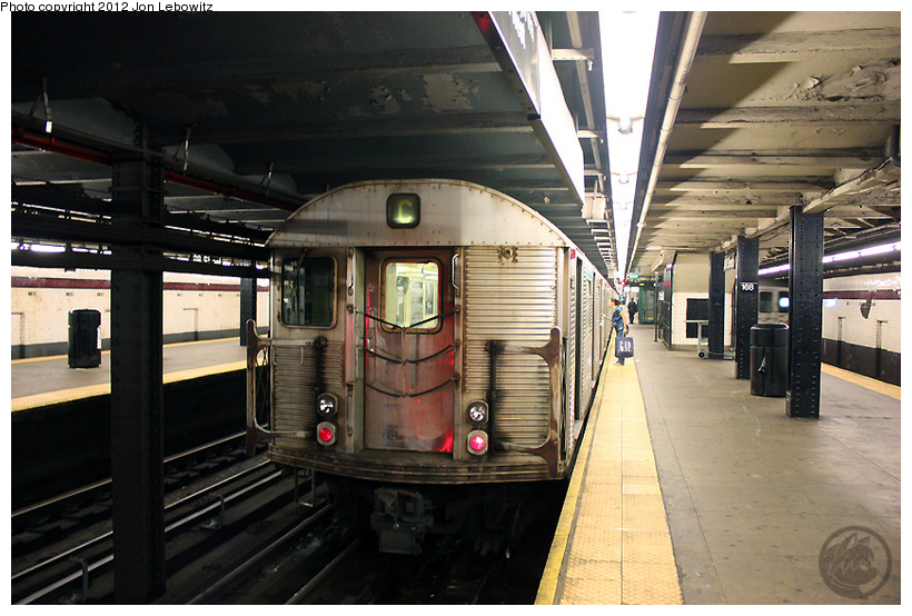 (257k, 820x554)<br><b>Country:</b> United States<br><b>City:</b> New York<br><b>System:</b> New York City Transit<br><b>Line:</b> IND 8th Avenue Line<br><b>Location:</b> 168th Street <br><b>Route:</b> C<br><b>Car:</b> R-32 (Budd, 1964)   <br><b>Photo by:</b> Jon Lebowitz<br><b>Date:</b> 8/8/2010<br><b>Viewed (this week/total):</b> 0 / 743