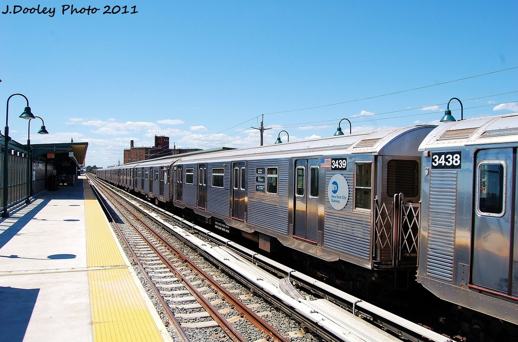 (356k, 1024x677)<br><b>Country:</b> United States<br><b>City:</b> New York<br><b>System:</b> New York City Transit<br><b>Line:</b> IND Rockaway<br><b>Location:</b> Beach 67th Street/Gaston Avenue <br><b>Route:</b> A<br><b>Car:</b> R-32 (Budd, 1964)  3439 <br><b>Photo by:</b> John Dooley<br><b>Date:</b> 8/11/2011<br><b>Viewed (this week/total):</b> 0 / 119