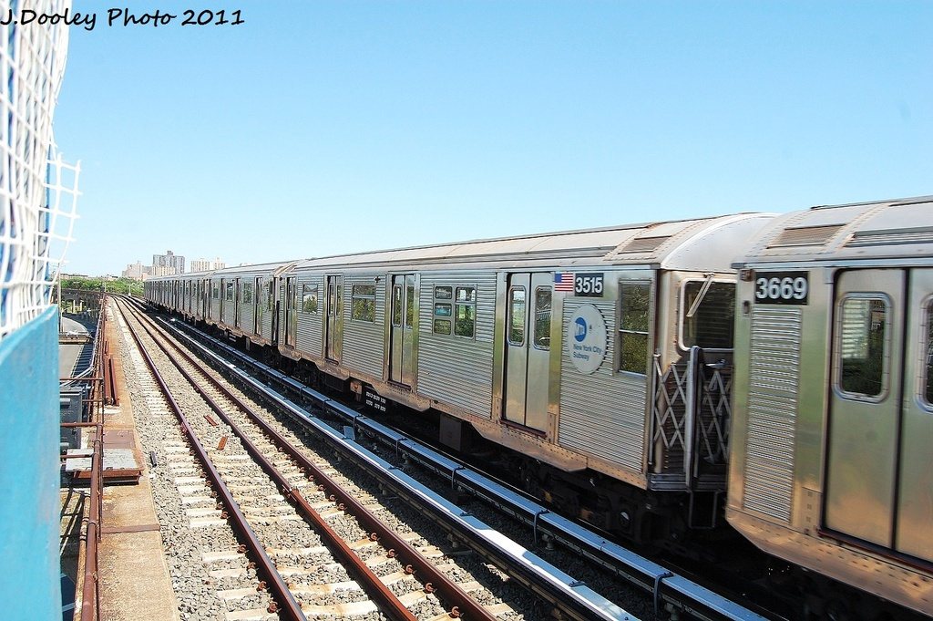 (348k, 1024x681)<br><b>Country:</b> United States<br><b>City:</b> New York<br><b>System:</b> New York City Transit<br><b>Line:</b> IND Rockaway<br><b>Location:</b> Beach 44th Street/Frank Avenue <br><b>Route:</b> A<br><b>Car:</b> R-32 (Budd, 1964)  3515 <br><b>Photo by:</b> John Dooley<br><b>Date:</b> 8/11/2011<br><b>Viewed (this week/total):</b> 1 / 98