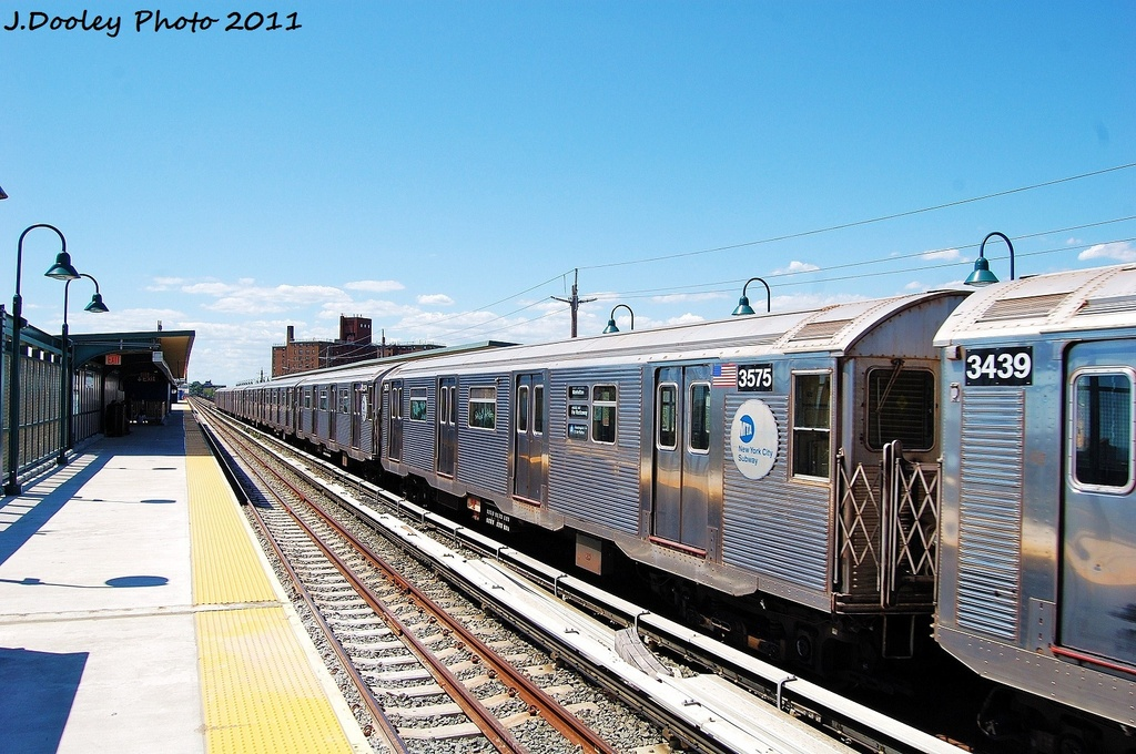 (352k, 1024x680)<br><b>Country:</b> United States<br><b>City:</b> New York<br><b>System:</b> New York City Transit<br><b>Line:</b> IND Rockaway<br><b>Location:</b> Beach 67th Street/Gaston Avenue <br><b>Route:</b> A<br><b>Car:</b> R-32 (Budd, 1964)  3575 <br><b>Photo by:</b> John Dooley<br><b>Date:</b> 8/11/2011<br><b>Viewed (this week/total):</b> 0 / 281