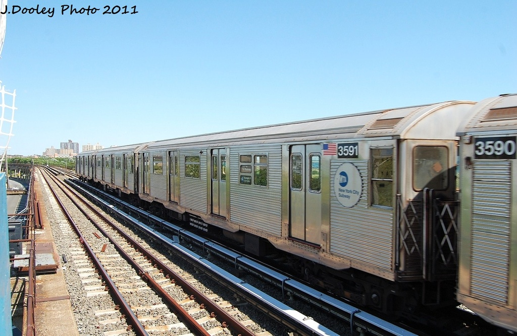 (325k, 1024x667)<br><b>Country:</b> United States<br><b>City:</b> New York<br><b>System:</b> New York City Transit<br><b>Line:</b> IND Rockaway<br><b>Location:</b> Beach 44th Street/Frank Avenue <br><b>Route:</b> A<br><b>Car:</b> R-32 (Budd, 1964)  3591 <br><b>Photo by:</b> John Dooley<br><b>Date:</b> 8/11/2011<br><b>Viewed (this week/total):</b> 1 / 134
