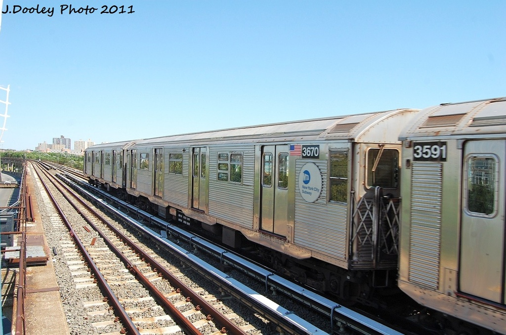(329k, 1024x678)<br><b>Country:</b> United States<br><b>City:</b> New York<br><b>System:</b> New York City Transit<br><b>Line:</b> IND Rockaway<br><b>Location:</b> Beach 44th Street/Frank Avenue <br><b>Route:</b> A<br><b>Car:</b> R-32 (Budd, 1964)  3670 <br><b>Photo by:</b> John Dooley<br><b>Date:</b> 8/11/2011<br><b>Viewed (this week/total):</b> 0 / 459