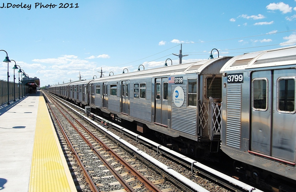 (365k, 1024x666)<br><b>Country:</b> United States<br><b>City:</b> New York<br><b>System:</b> New York City Transit<br><b>Line:</b> IND Rockaway<br><b>Location:</b> Beach 44th Street/Frank Avenue <br><b>Route:</b> A<br><b>Car:</b> R-32 (Budd, 1964)  3739 <br><b>Photo by:</b> John Dooley<br><b>Date:</b> 8/11/2011<br><b>Viewed (this week/total):</b> 1 / 460