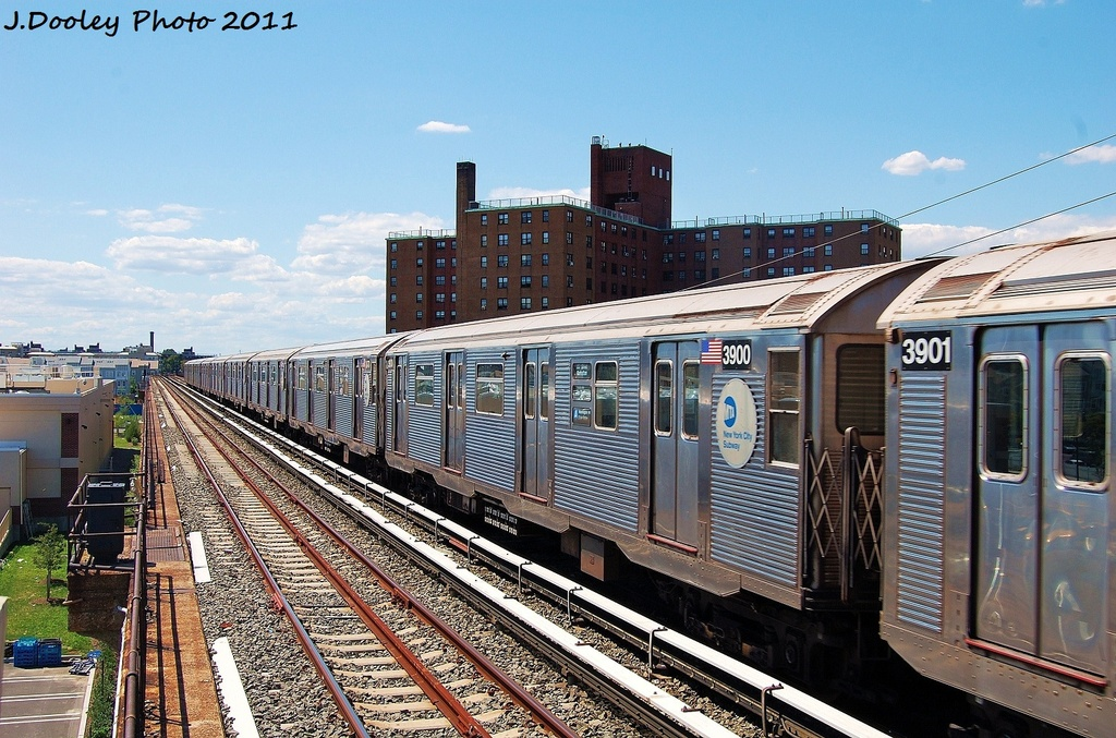 (386k, 1024x677)<br><b>Country:</b> United States<br><b>City:</b> New York<br><b>System:</b> New York City Transit<br><b>Line:</b> IND Rockaway<br><b>Location:</b> Beach 44th Street/Frank Avenue <br><b>Route:</b> A<br><b>Car:</b> R-32 (Budd, 1964)  3900 <br><b>Photo by:</b> John Dooley<br><b>Date:</b> 8/11/2011<br><b>Viewed (this week/total):</b> 4 / 104
