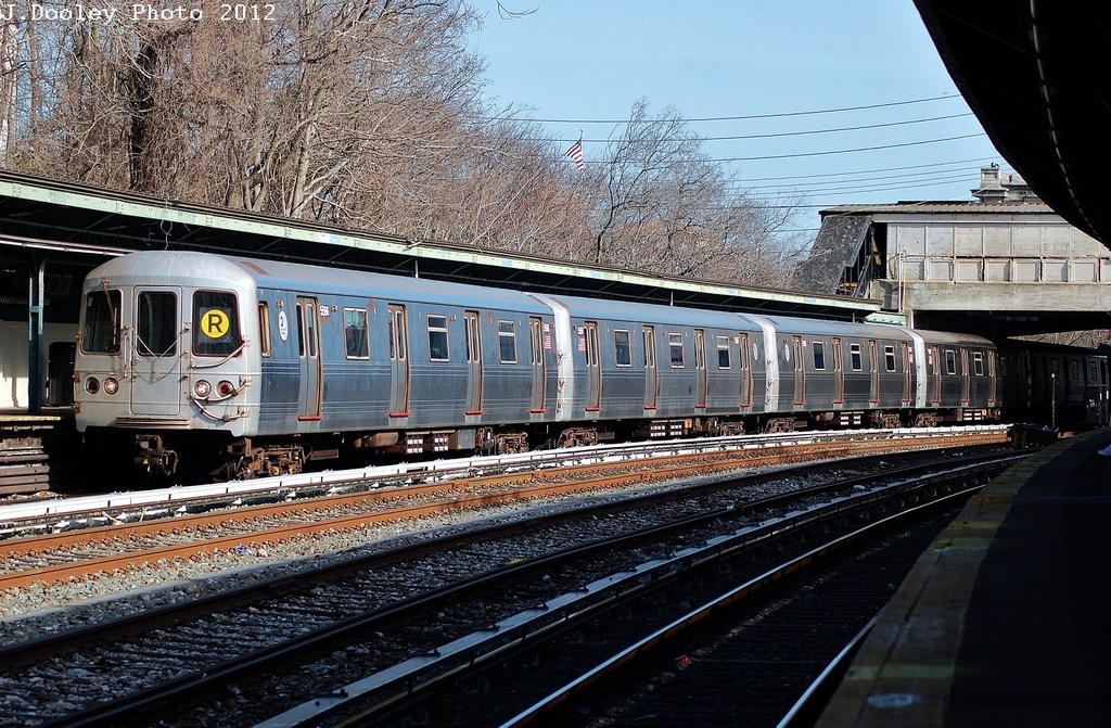 (408k, 1024x671)<br><b>Country:</b> United States<br><b>City:</b> New York<br><b>System:</b> New York City Transit<br><b>Line:</b> BMT Sea Beach Line<br><b>Location:</b> 8th Avenue <br><b>Route:</b> R<br><b>Car:</b> R-46 (Pullman-Standard, 1974-75) 5596 <br><b>Photo by:</b> John Dooley<br><b>Date:</b> 3/12/2012<br><b>Viewed (this week/total):</b> 2 / 242