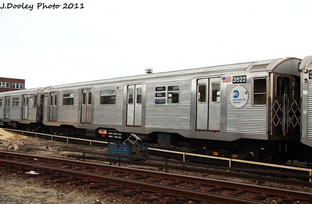 (286k, 1024x670)<br><b>Country:</b> United States<br><b>City:</b> New York<br><b>System:</b> New York City Transit<br><b>Location:</b> 207th Street Yard<br><b>Car:</b> R-32 (Budd, 1964)  3522 <br><b>Photo by:</b> John Dooley<br><b>Date:</b> 11/29/2011<br><b>Viewed (this week/total):</b> 1 / 147