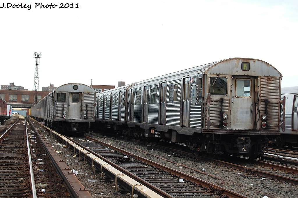 (311k, 1024x680)<br><b>Country:</b> United States<br><b>City:</b> New York<br><b>System:</b> New York City Transit<br><b>Location:</b> 207th Street Yard<br><b>Car:</b> R-32 (Budd, 1964)  3600/3900 <br><b>Photo by:</b> John Dooley<br><b>Date:</b> 11/29/2011<br><b>Viewed (this week/total):</b> 3 / 500