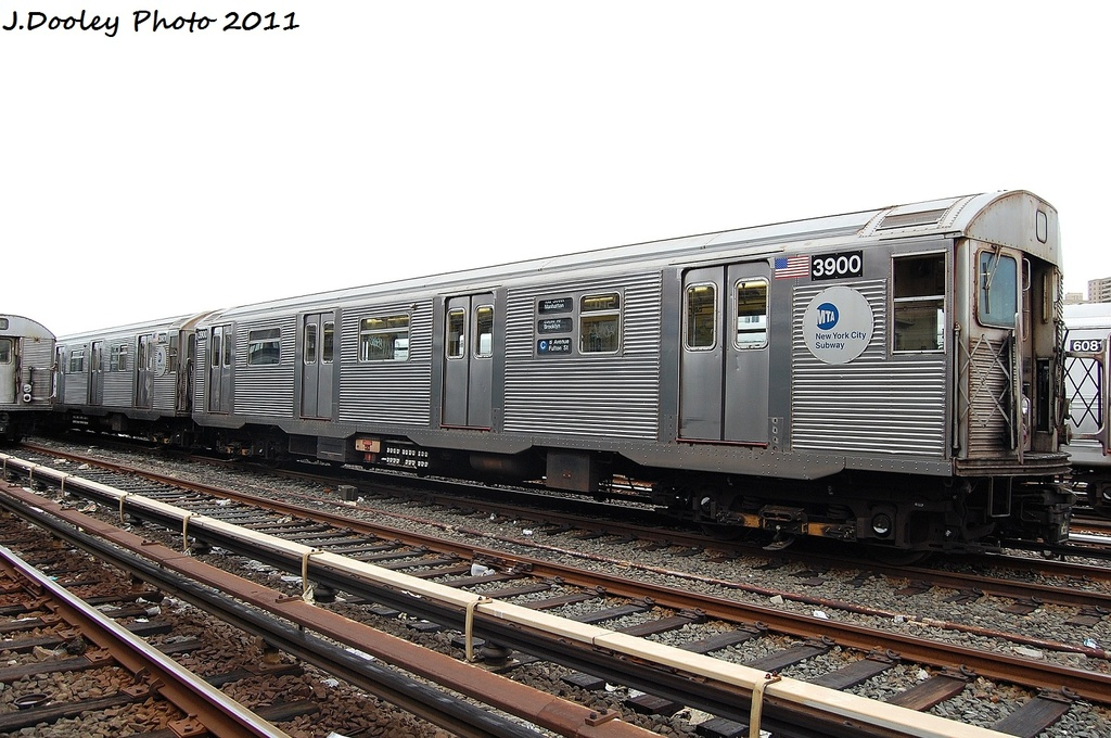 (327k, 1024x680)<br><b>Country:</b> United States<br><b>City:</b> New York<br><b>System:</b> New York City Transit<br><b>Location:</b> 207th Street Yard<br><b>Car:</b> R-32 (Budd, 1964)  3900 <br><b>Photo by:</b> John Dooley<br><b>Date:</b> 11/29/2011<br><b>Viewed (this week/total):</b> 2 / 412